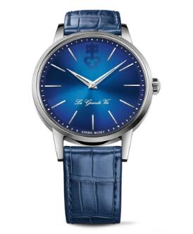 The blue leather strap fitted on the titanium case matches the blue dial perfectly.