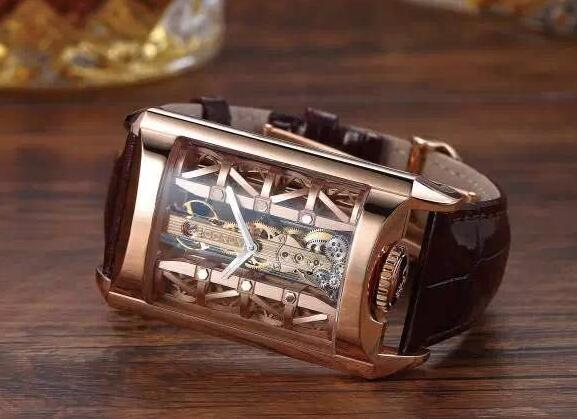 The movement could be viewed through the transparent sapphire crystal.
