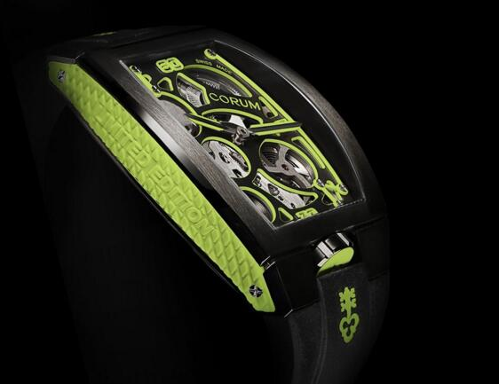 The skeleton dial allows the wearers to enjoy the beauty of the movement.