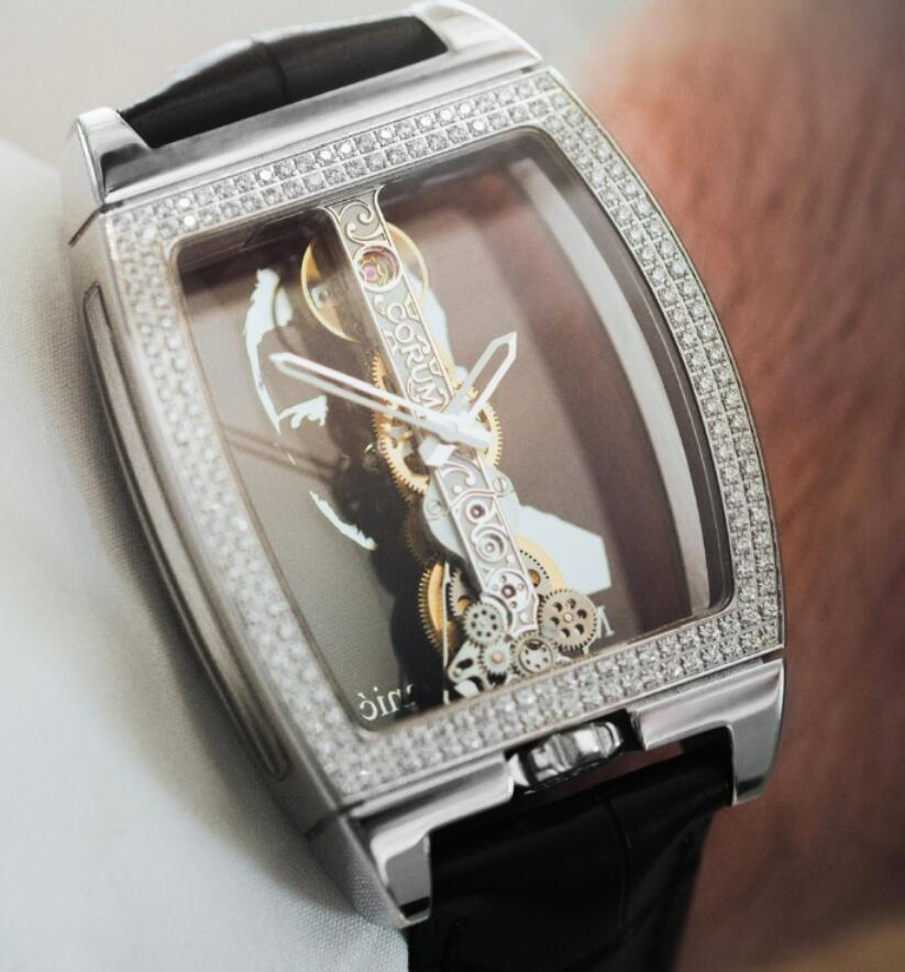 Hot-selling duplication watch maintains luxury with white gold.